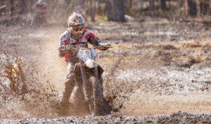 Motocross - dirbike fun - hawk style